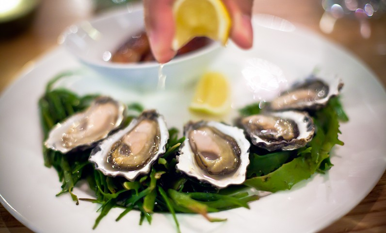 oysters bannisters
